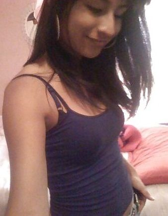 Sexy Desi College Girlfriend Naked Selfie Leaked By Lover