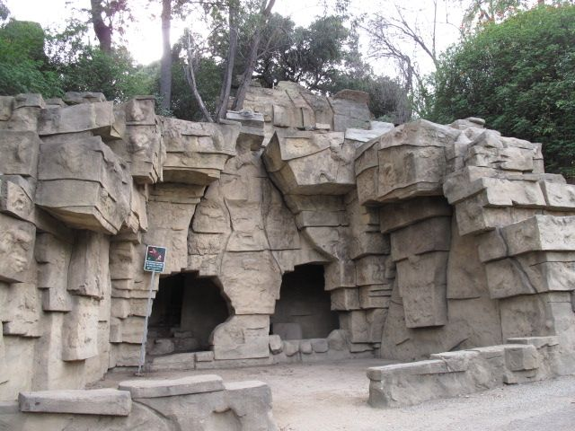 The Old Los Angeles Zoo Grounds In Griffith Park This Was The Site Of The Original La Zoo Which Remained Open For Ov Picnic Spot Los Angeles Zoo Los Angeles
