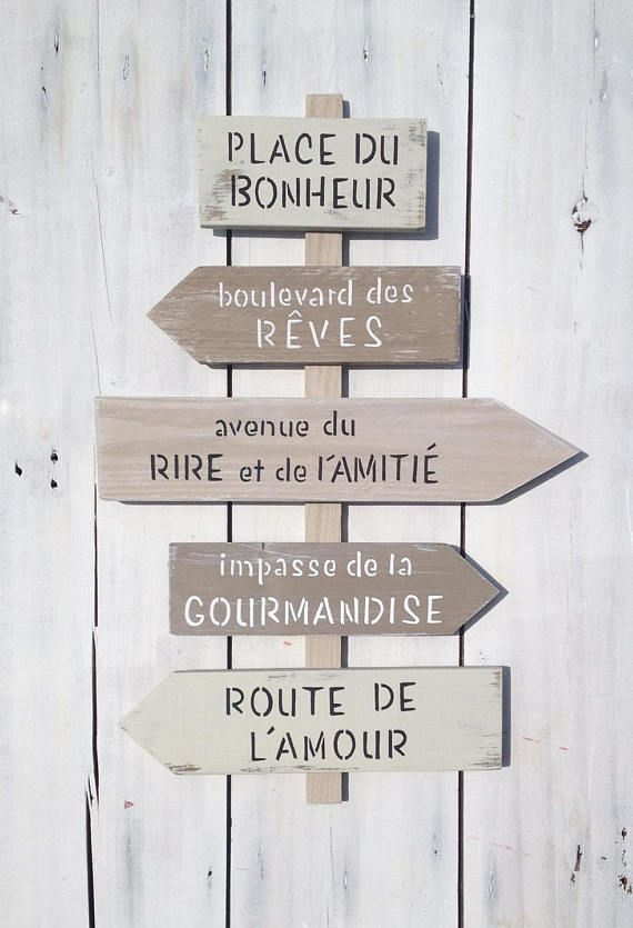 direction sign customizable with arrows wooden pallet shabby zodio
