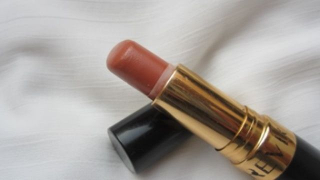Photo of Revlon Super Lustrous Lipstick Naturally Nude
