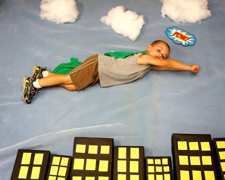 Superhero Photo Booth, Sunflower Storytime #superherocrafts