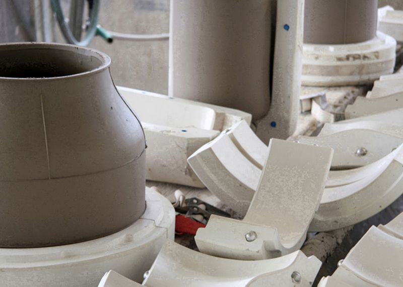 Manipulating A Traditional Ceramic Manufacturing Process The Method Case In 2020 Traditional Ceramics Ceramics Ceramic Tableware