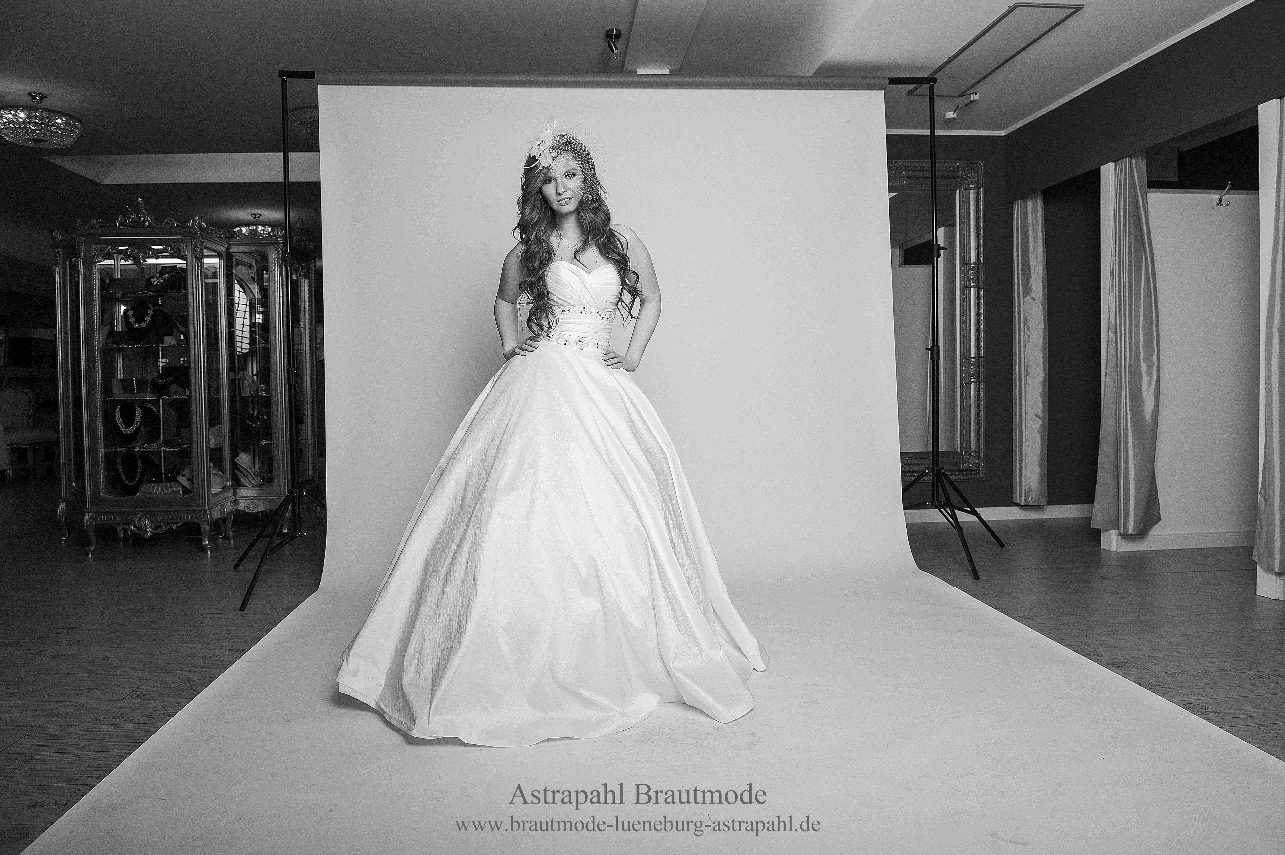 Bild Nr 3 am Set in Astrapahl Boutique