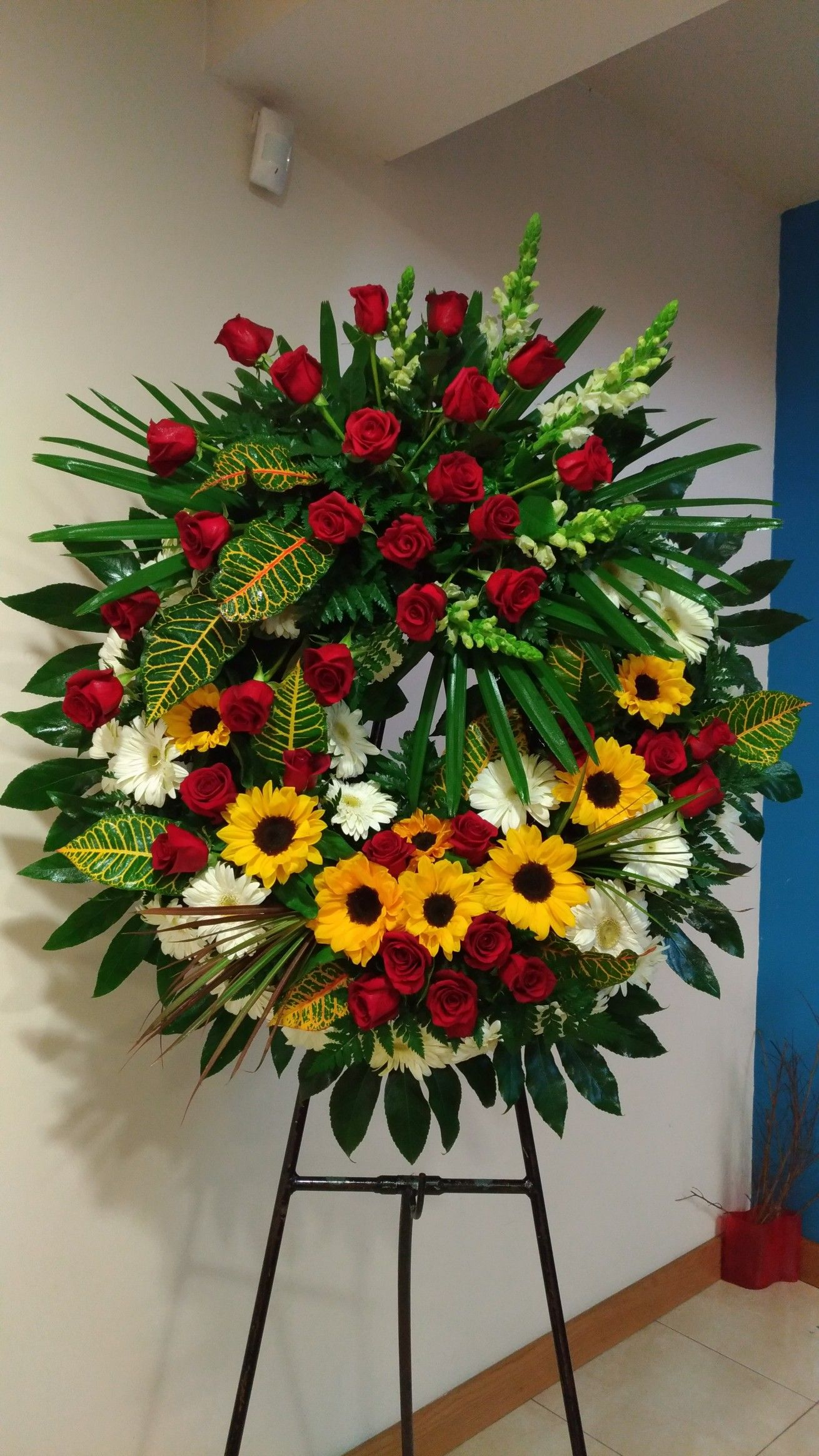 Pin By Nicole Lo On Funeral Arngmnts Pinterest Funeral Funeral