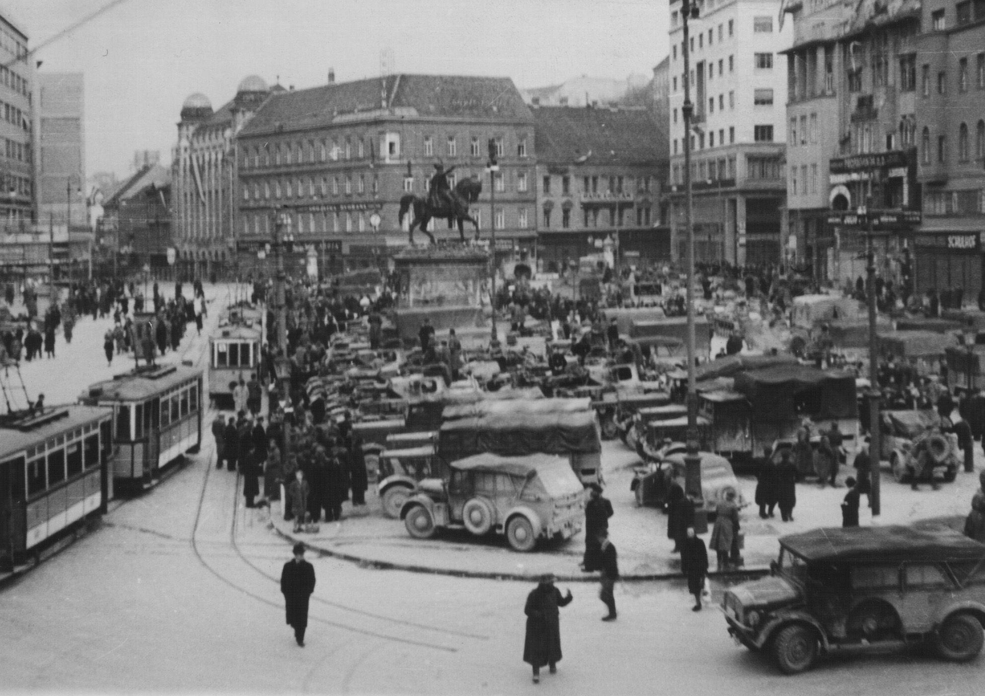 Wwii 1941 Ndh Zagreb Trg Bjj Ulazak Nacista Zagreb Croatia Scenes