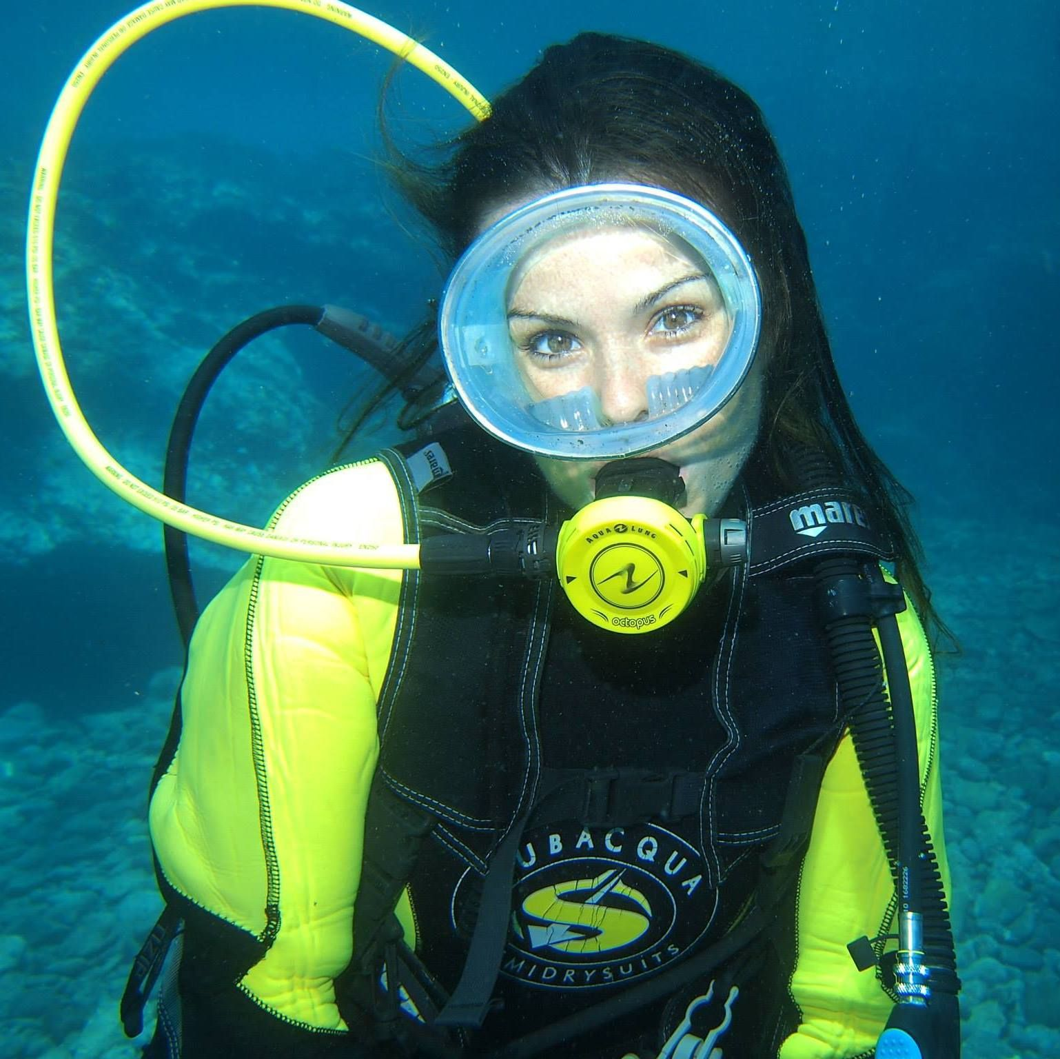 women-sex-girl-scuba