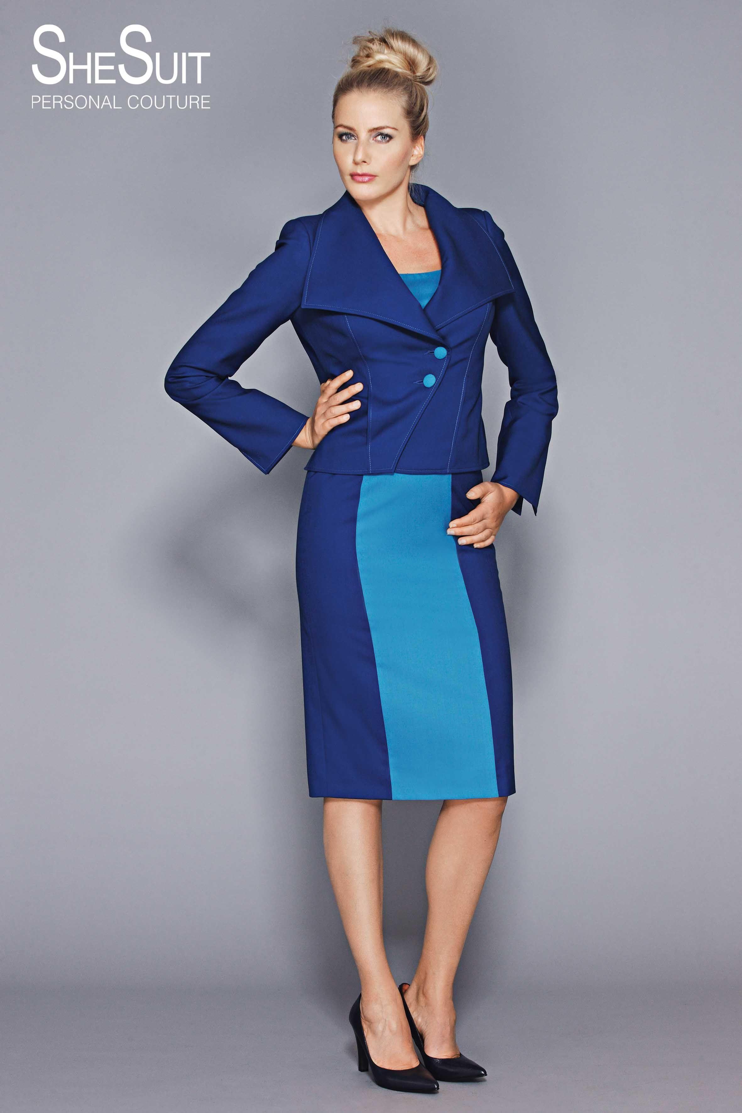 blauwe jurk met jasje