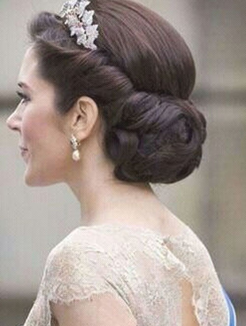 30 Classic Wedding Updos Ideas For Your Special Day In 2020 Princess Hairstyles Classic Wedding Hair Bride Hairstyles