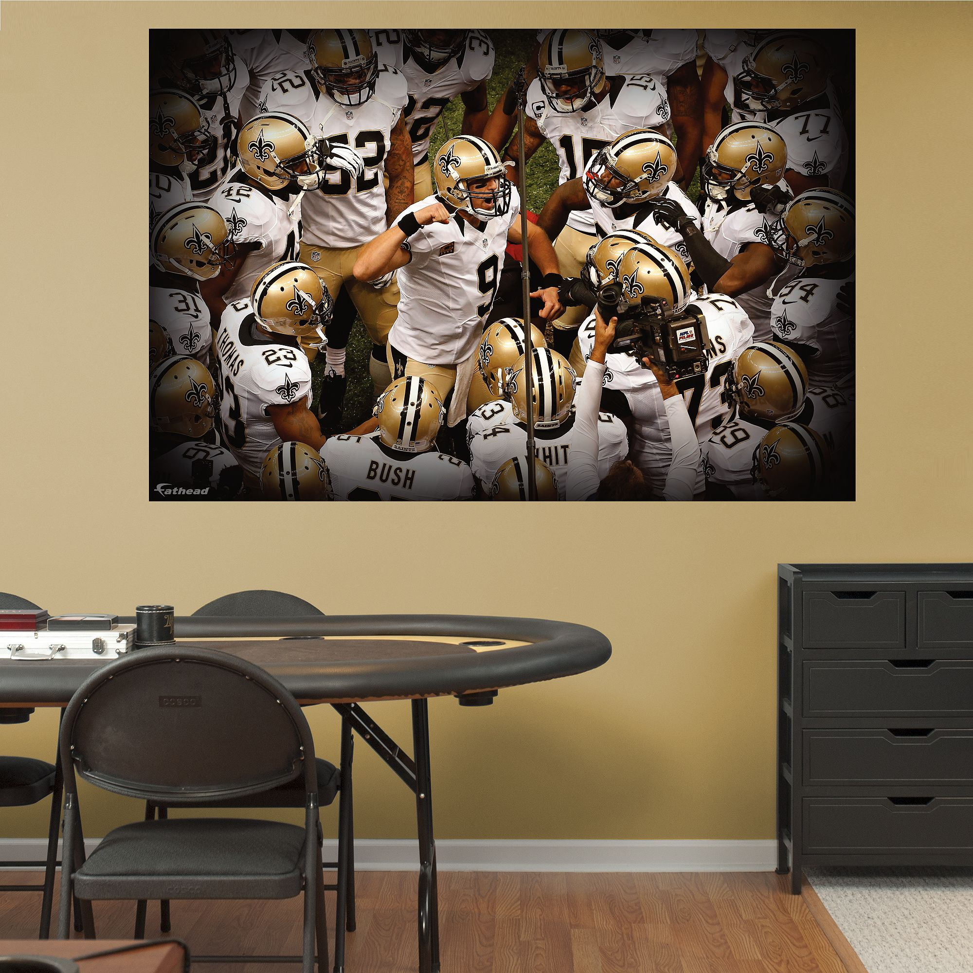 New Orleans Saints Team Mural & New Orleans Saints Team Mural | Wall decals Mural wall and Saints