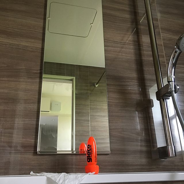 おはようございます これ昨日やりました お風呂の天井と壁を