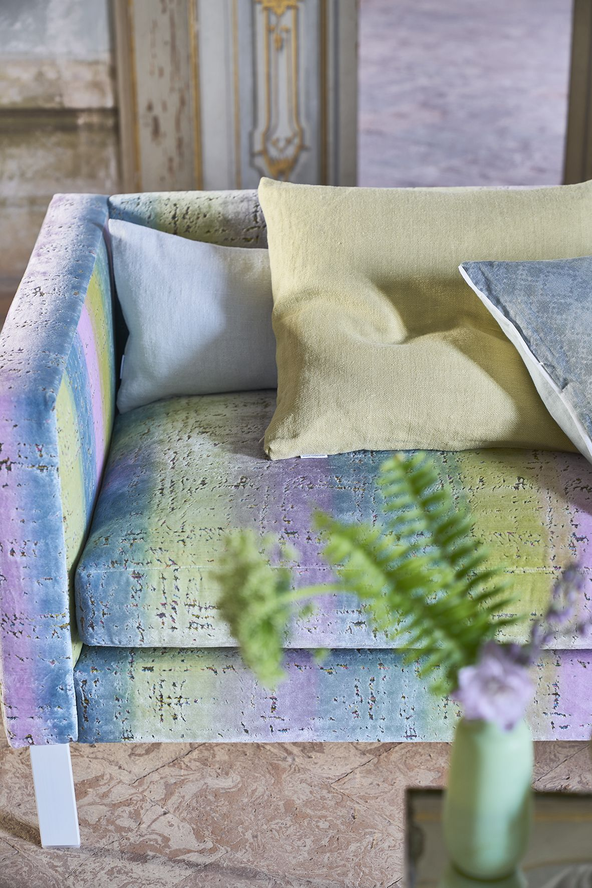 Designers Guild   Montmartre Crocus fabric   Lavander   Pinterest