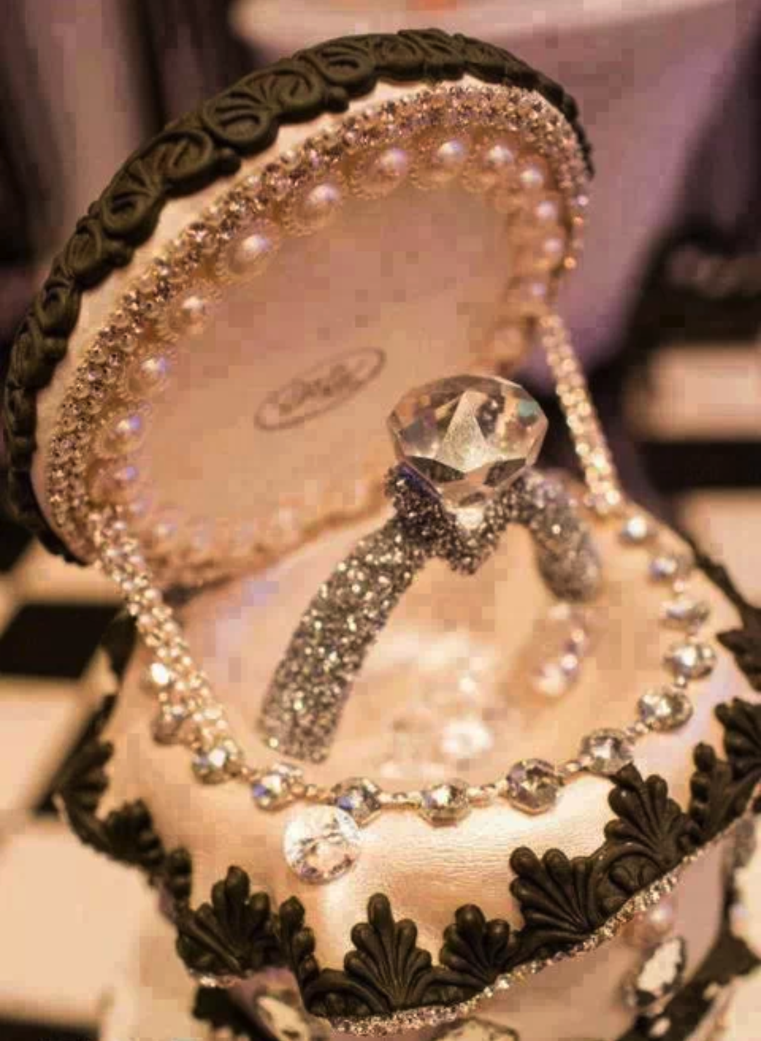 The cutest ring box ever!!! Engagement, Vintage diamond