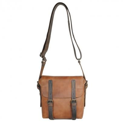 """""""Lucky Looser"""" from """"aunts & uncles"""" in hazelnut is an unisex bag with beautiful details"""