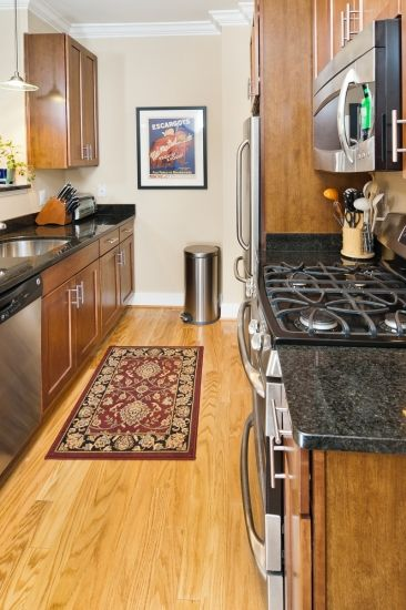 Ideas for my galley kitchen when I redo it | House | Pinterest ...
