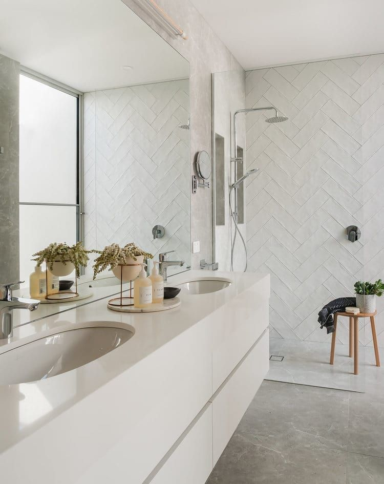 Is Subway Tile Too Trendy To Put In A New Home Or Remodel Renovation Cottage Style Bathrooms Home Remodeling