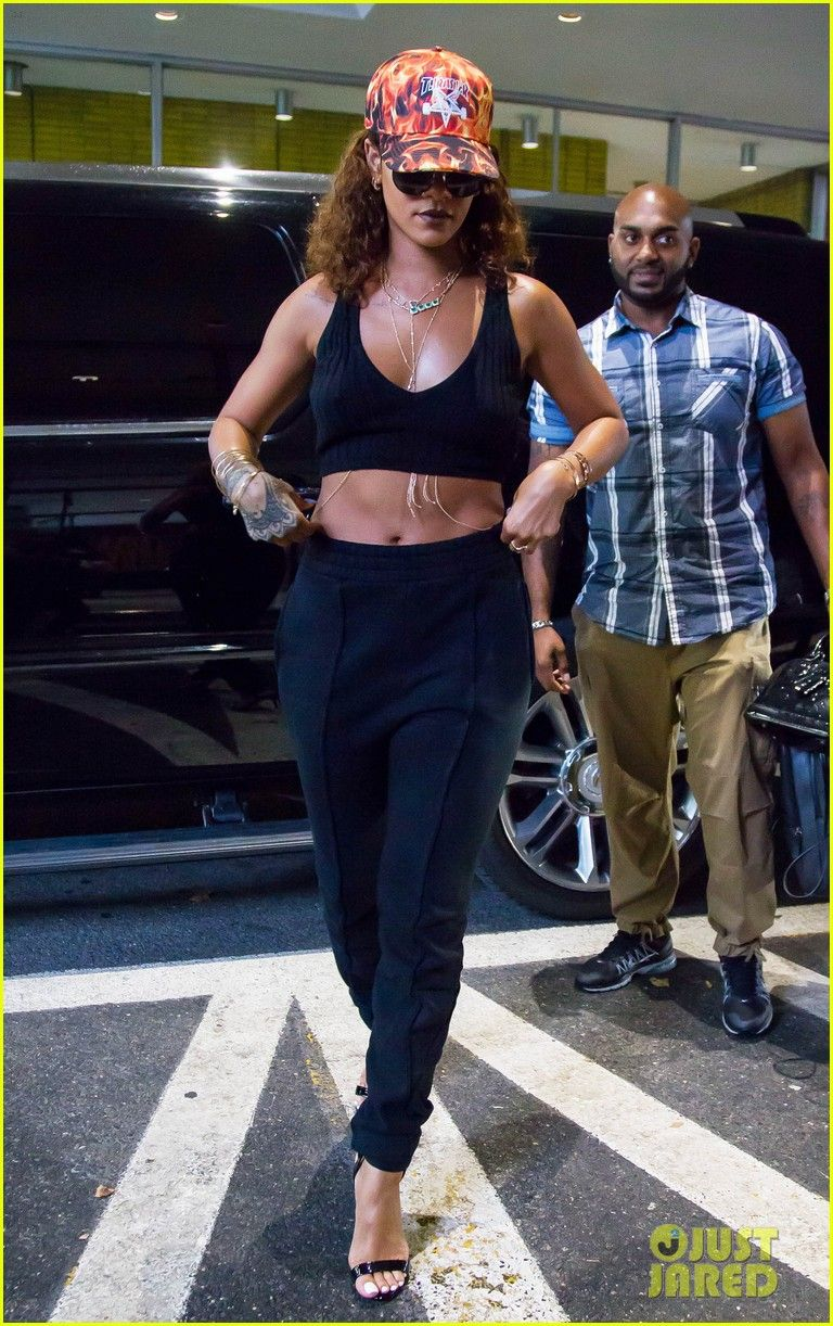 867969d9e74 rihanna shows off her bikini body 05 Rihanna steps out showing off her  amazing figure on Monday (August 10) in New York City. The 27-year-old  entertainer ...