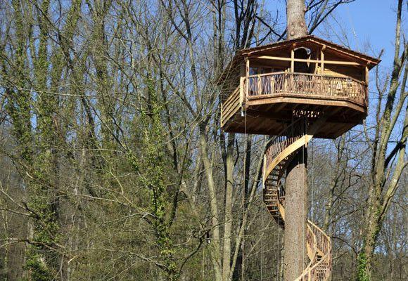 Cabañas En Los árboles En Zeanuri Cabaña Arbol Casa Del Arbol Casas En Los árboles De Hadas