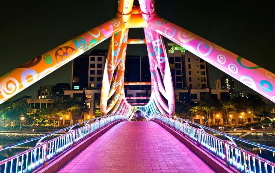 The Alkaff Bridge in Singapore