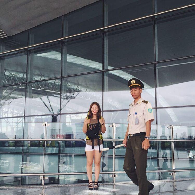 김경희 on Instagram: #첫줄 . #오빠 같이 찍던가 나오든가 눈을 감지말던가 하나만 해.... . #하노이 에서 #다낭 #노이바이공항 #hanoi #danang #airport #noibaiinternationalairport #vietnam
