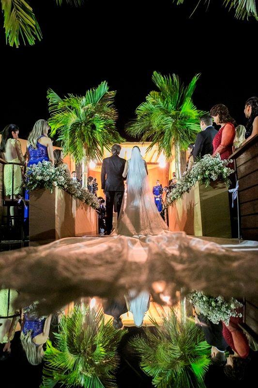 Passarela de espelho na cerimônia de casamento