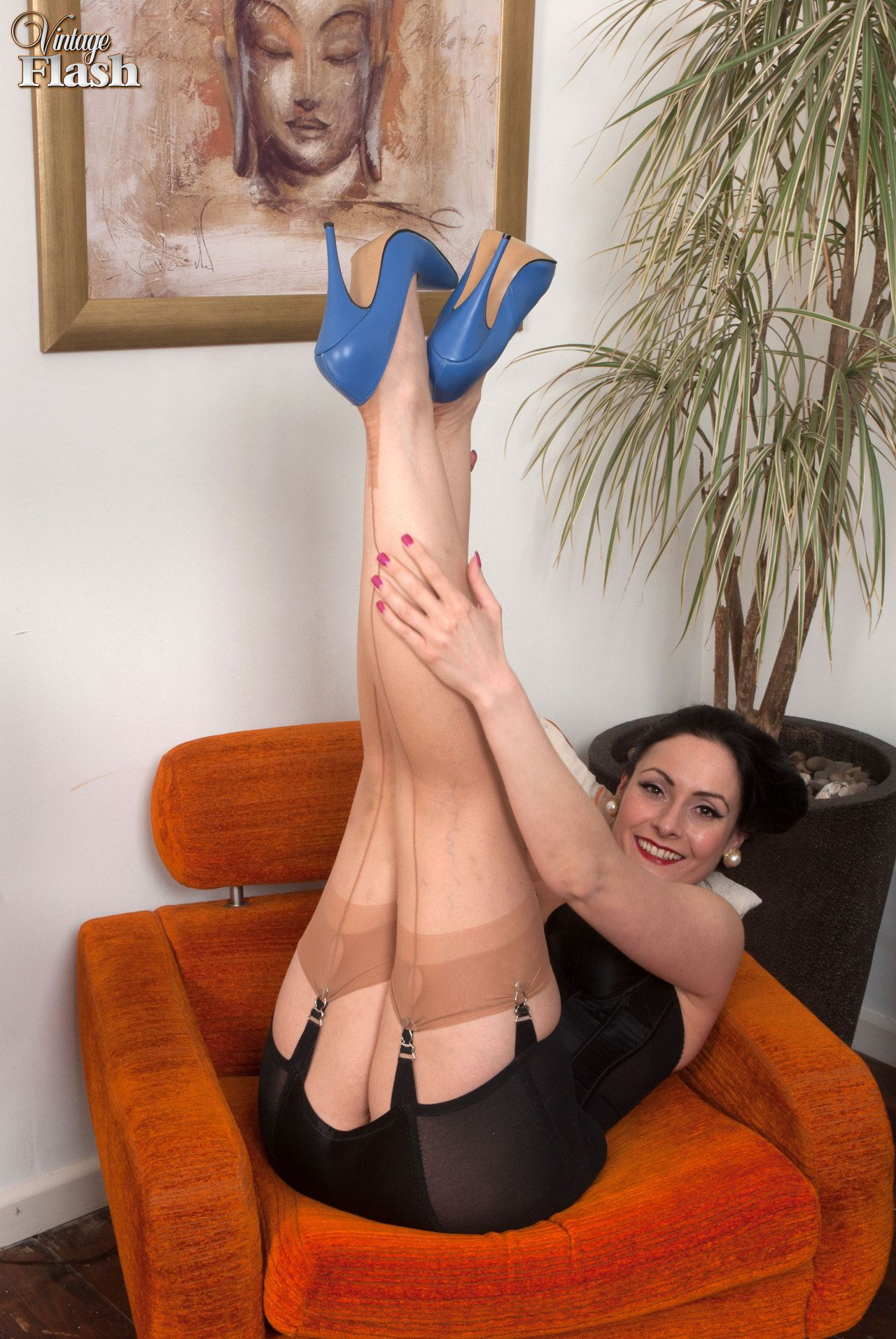 flash vintage Sophia girdles delane