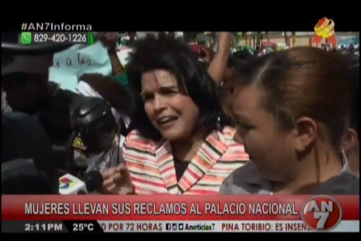 Mujeres Llevan Sus Reclamos Al Palacio Nacional #Video