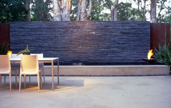 Garden wall features ideas images for Outdoor feature wall ideas