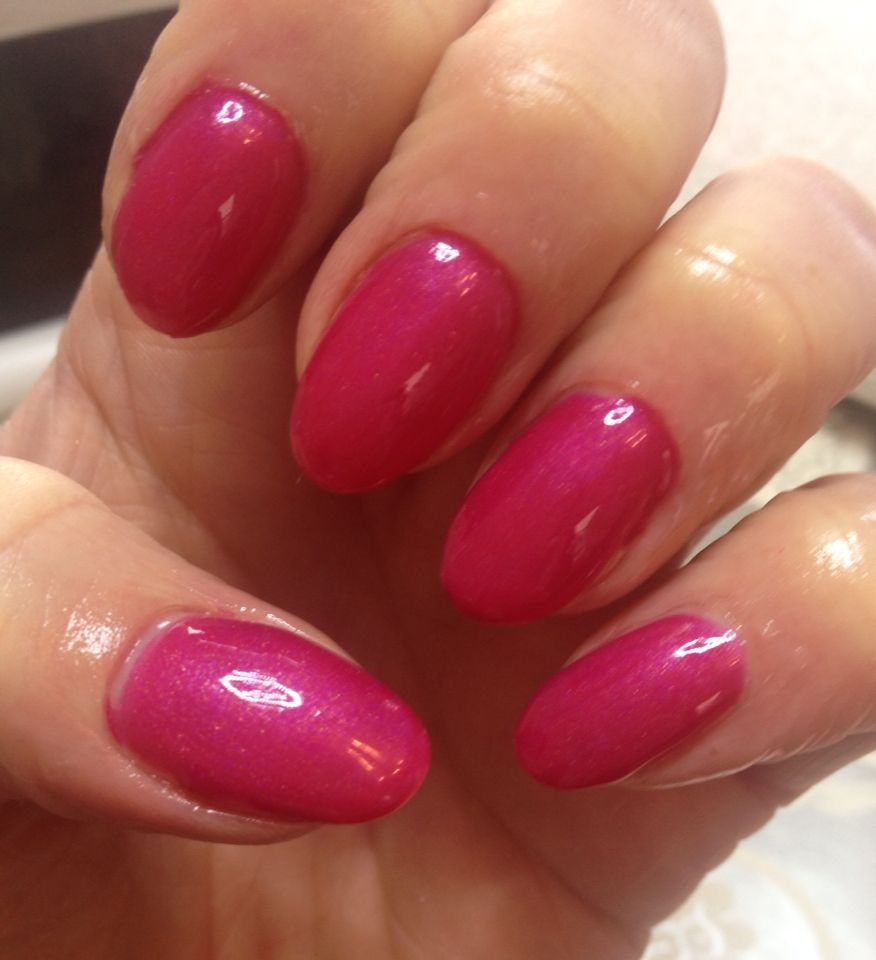 Perfect Match Mood Gel Polish. Dark Pink when cold and Pale Pink when hot