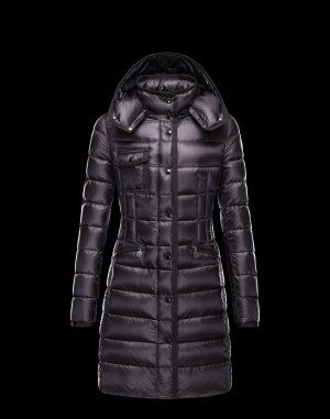 MONCLER HERMINE Ce manteau doudoune Moncler est indispensable en hiver.  Techno fabric   Turtleneck   686c2e9c817