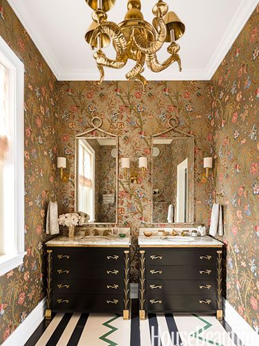 Photo of A traditional and modern bathroom