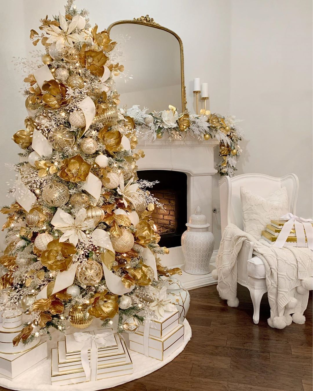 Elegant White And Gold Glam Christmas Tree Decor Gold Magnolia Flowers And Leaf Spray Af Elegant Christmas Decor Classy Christmas Decor Elegant Christmas Trees