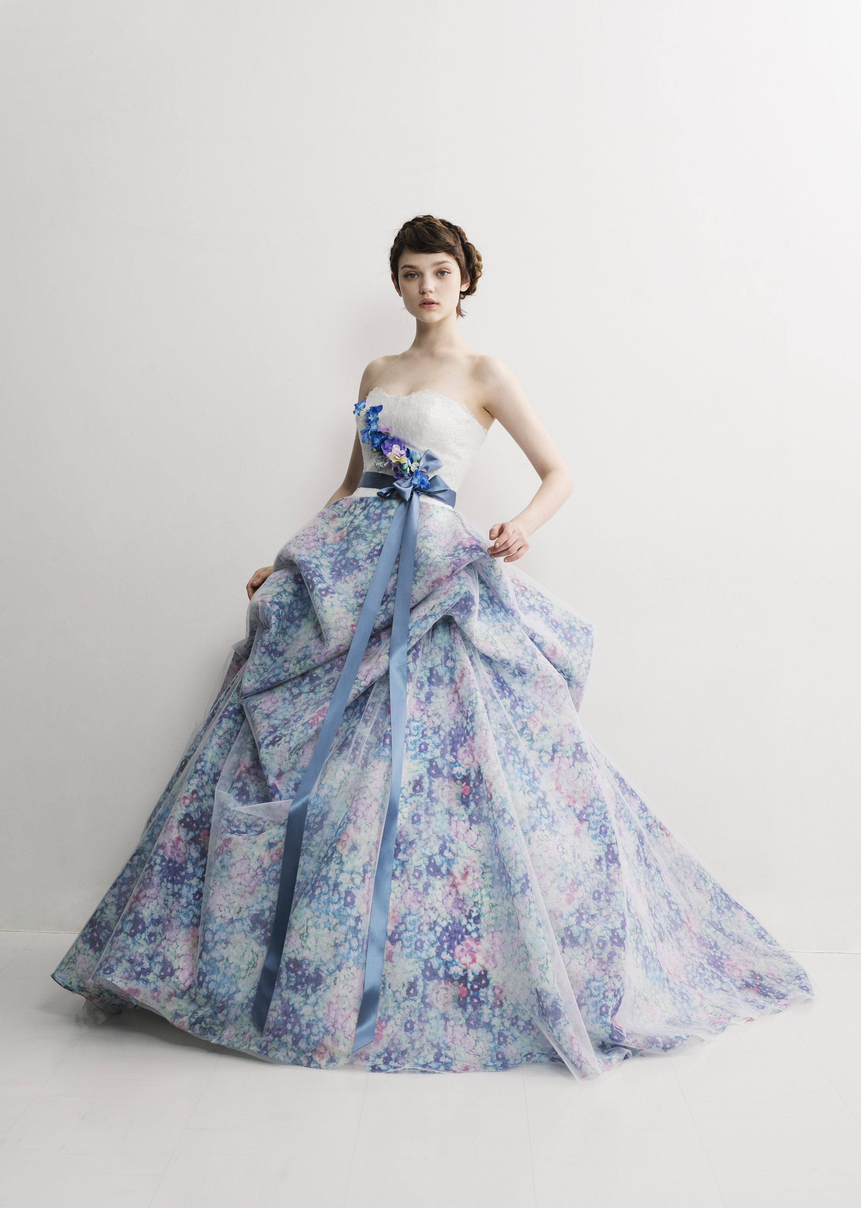 bcd9e8c536ee6 松尾のウェディングドレス、メンズフォーマルウェアのサイト。各種 ブランドの取扱店
