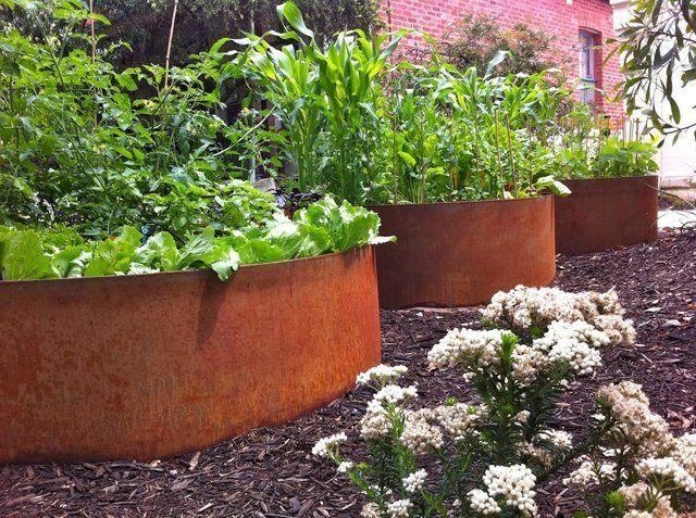 Corten Raised Vegetable Gardens Like The Large Containers Some Kind Of Water Tank Metal Garden Edging Industrial Garden Sustainable Garden
