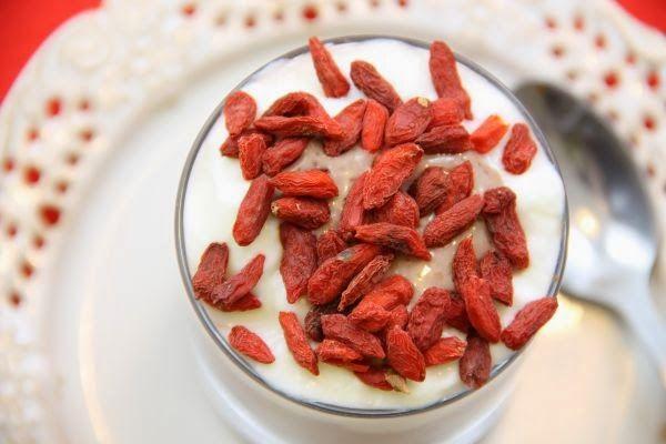 Kuchnia W Wersji Light Dietetyczny Deser Kakaowy Z Owocami Food Bacon Breakfast