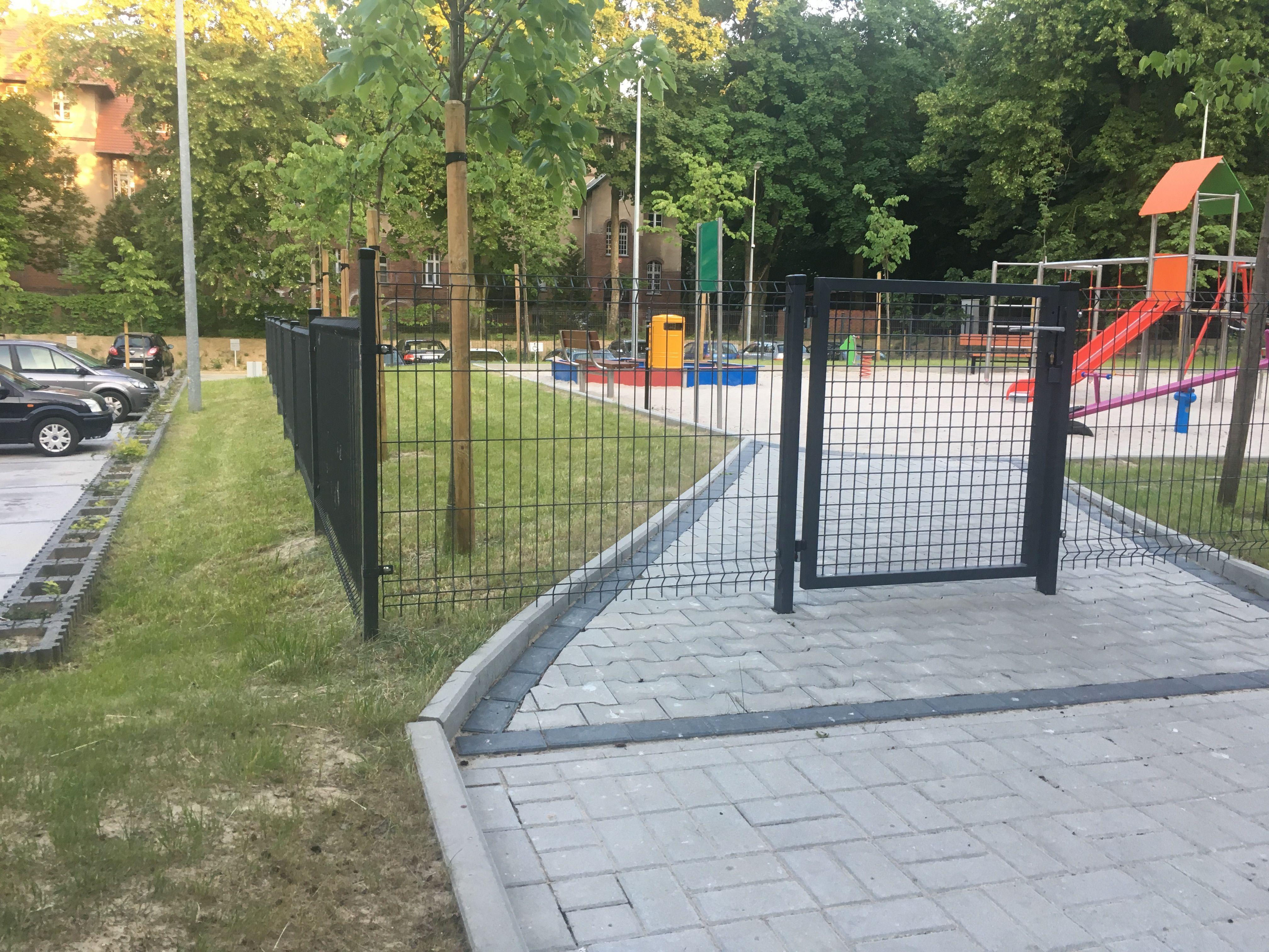Plac Zabaw Ogrodzenie Structures Sidewalk