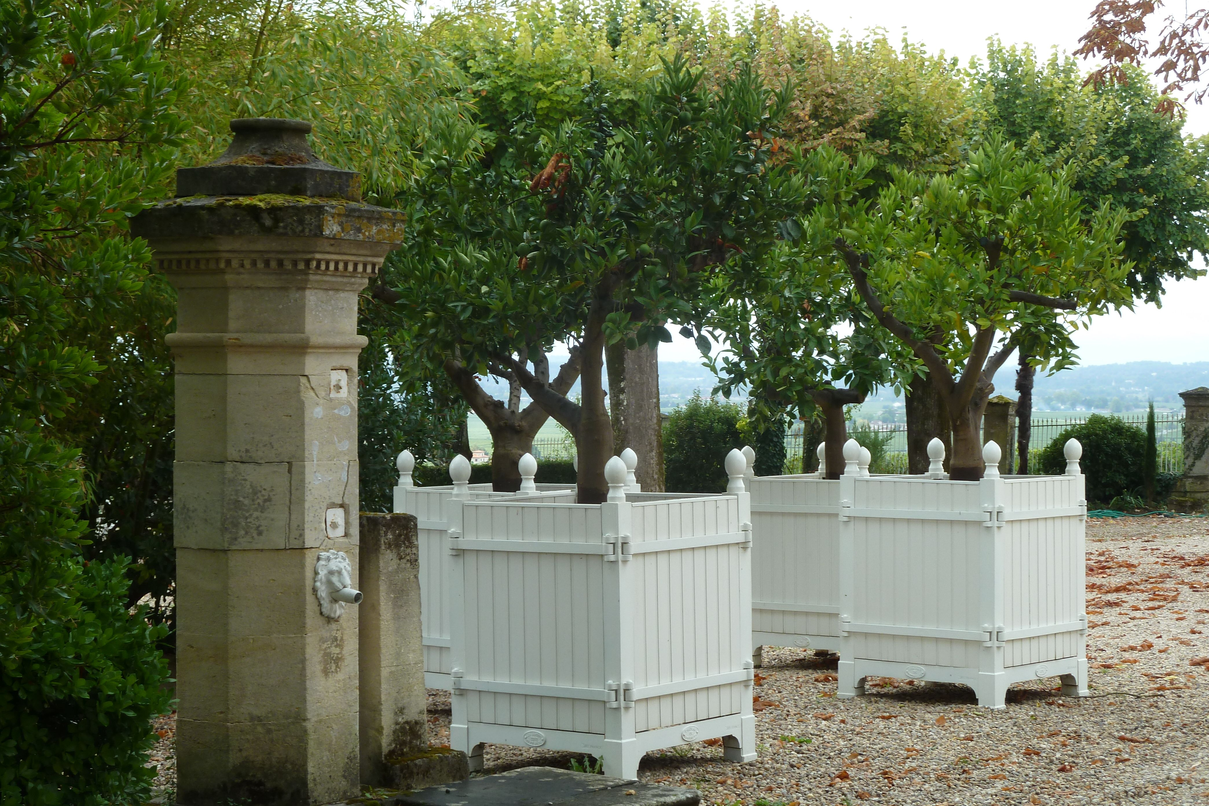 Simplicity Is Key These Classic White French Planter Boxes Are Ready To Give Your Garden Structure French Country Garden Outdoor Gardens Design Patio Planters