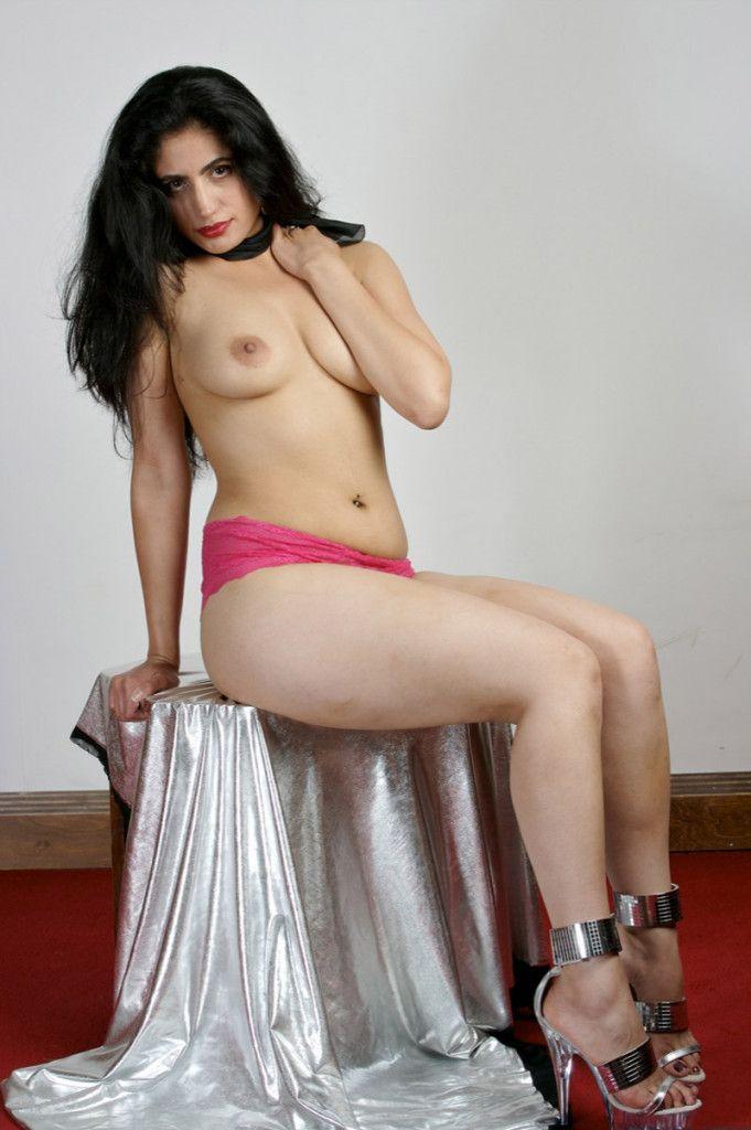 Selma hyake nipples and pussy