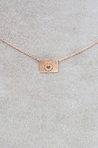 PFNECKLACEJ Necklace With Bronze Camera Pendant