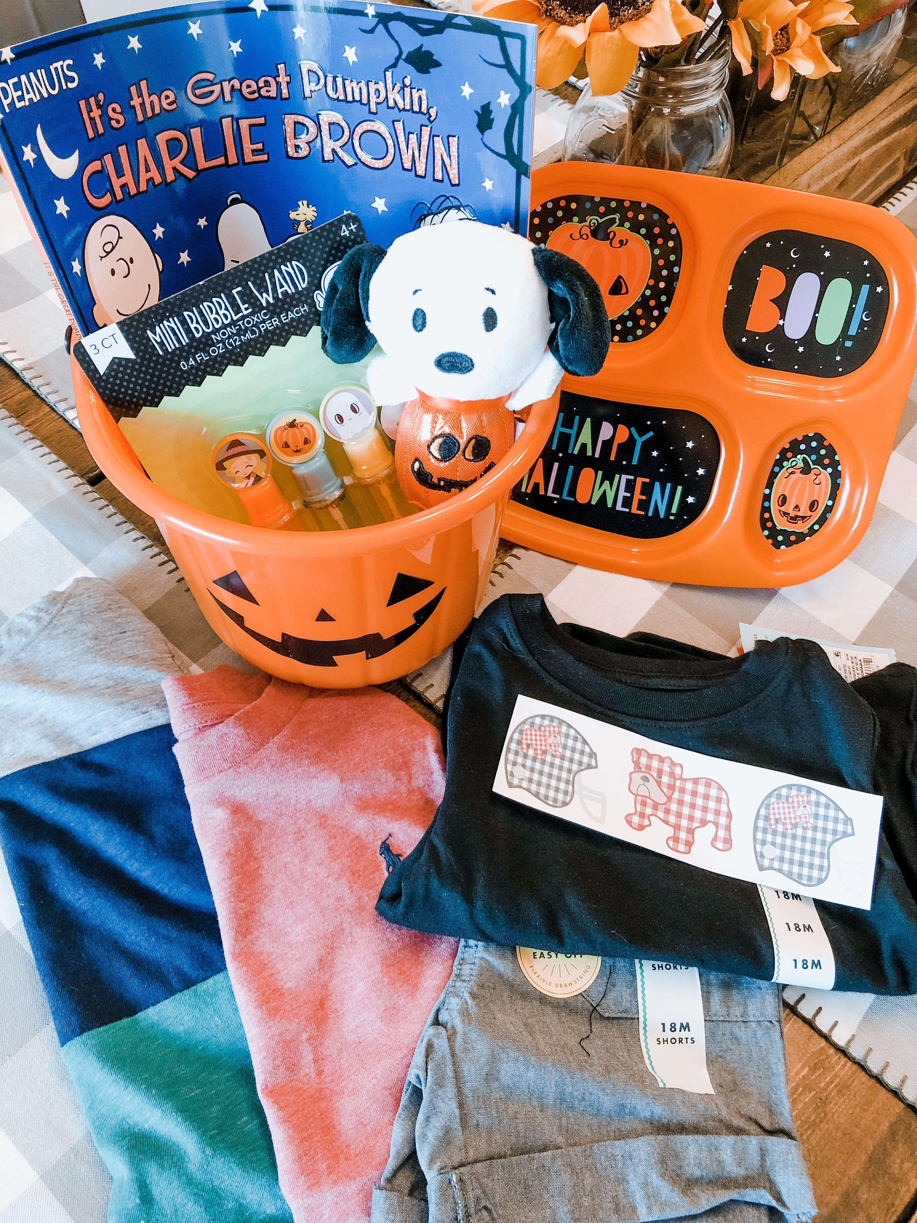 Hello, October! | Grace Intertwined #spookybasket