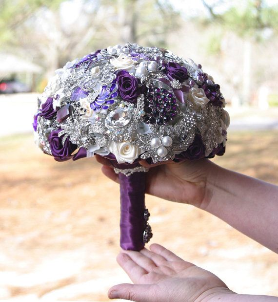 Brooch Bouquet ~ Visit my Etsy Shop! Starting to like this idea but I would only use 6 max. I think less is more!