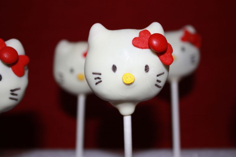 pop cakes Hello Kitty Hello Kitty Pinterest Cake Cake pop and