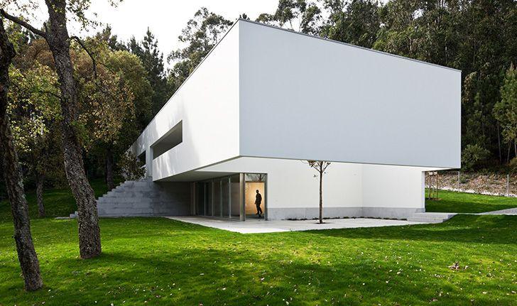 Ponte de lima house portugal by eduardo souto de moura for Casa minimalista lima