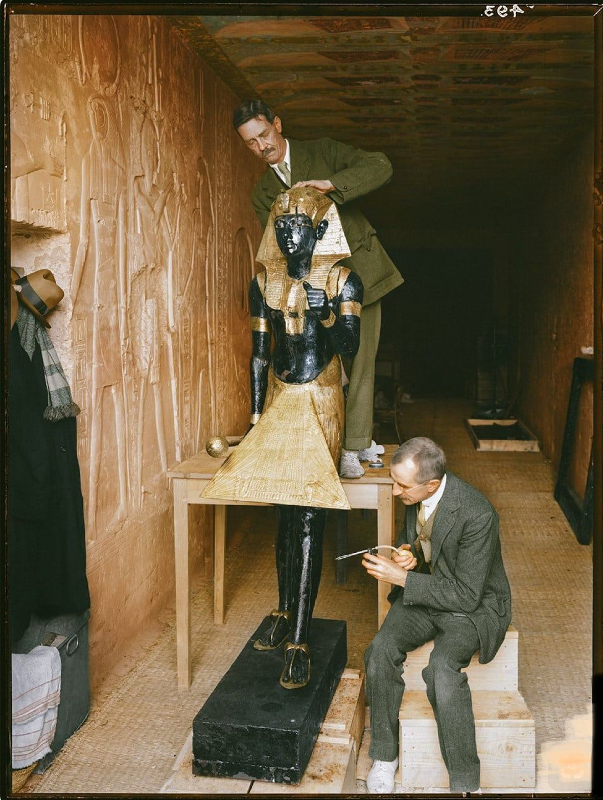 Archaeologist Howard Carter Uncovered The Spectacular Tomb Of The Boy King In 1922 Egypt History Tutankhamun Ancient Egyptian