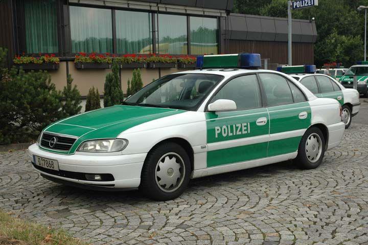 autobahn polizei duisburg opel polizei kfz deutschland. Black Bedroom Furniture Sets. Home Design Ideas