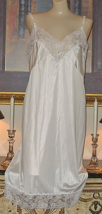 Slip (clothing) - Wikipedia df2174171