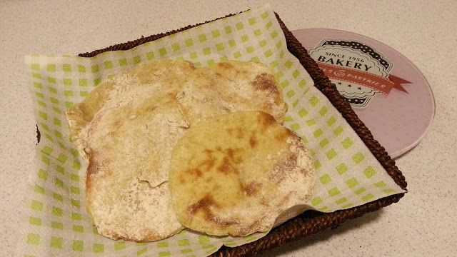Päivi leipoo