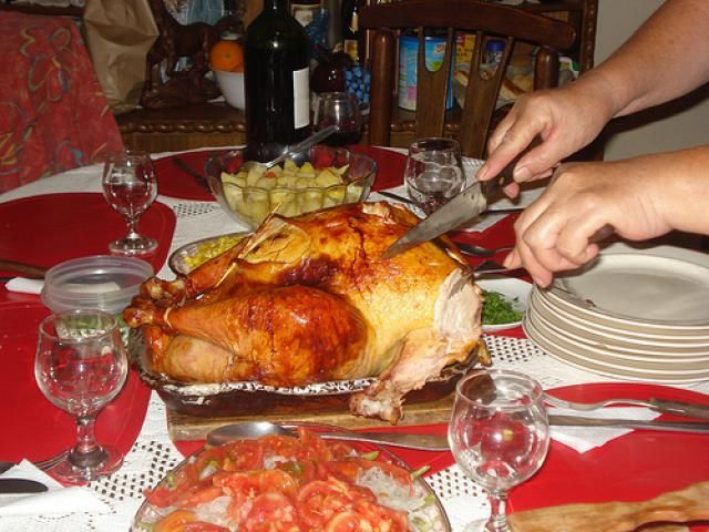 Pavo - Turkey is native to Mexico and is another popular choice for a Mexican Christmas Eve dinner. The Christmas turkey may be roasted, or it may be served with mole, a rich sauce made of ground chiles and other ingredients.