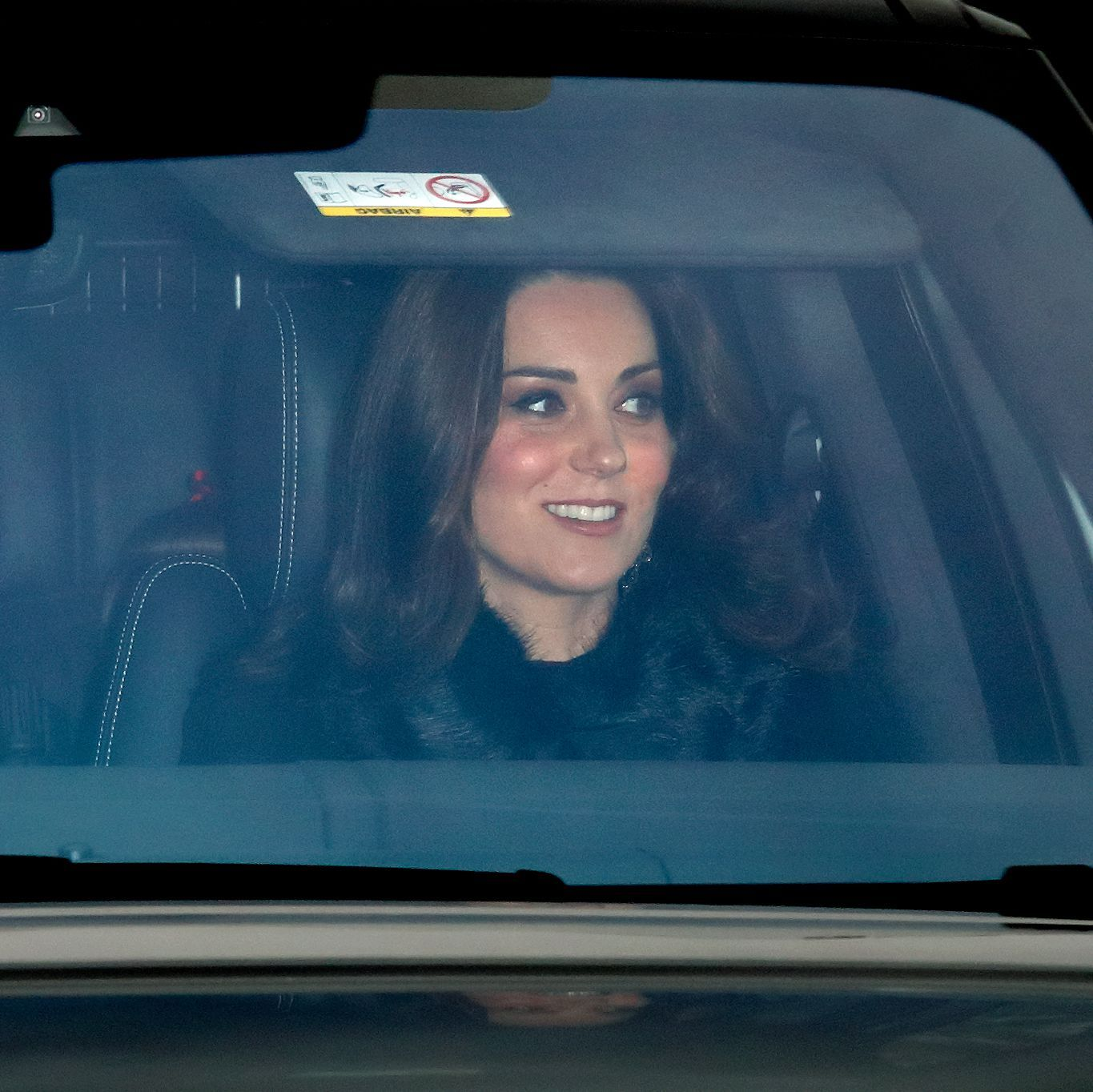 Regular Person Kate Middleton Spotted Driving Herself To Buckingham Palace Kate Middleton Catherine Middleton Duchess Of Cambridge