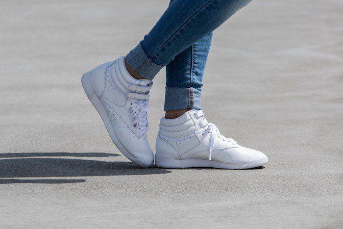 fe89385828253 reebok femme montante chaussures sport retro freestyle hi reebok ...