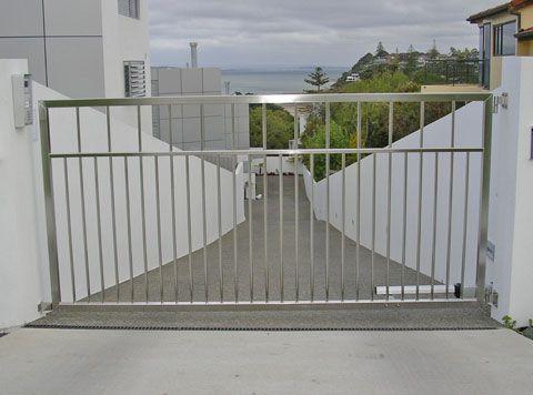 Modern Driveway Gate Slope Google Search Metal
